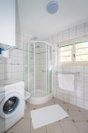 Földszinti%20fürdőszoba%20(WC%20külön%20helyiségben)
